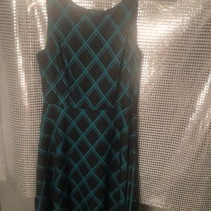 Dresses & Skirts - Lightweight blouse type material, midi.